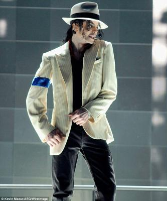 The last pictures: Michael Jackson on stage 48 hours before